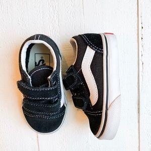 Vans converse sneakers size 4